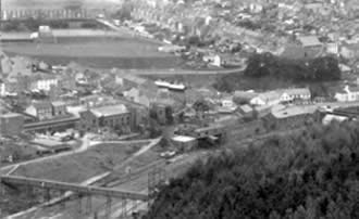Ffaldau Colliery in 1986 during demolition. This photo was taken from the Braich y Cymer side of the valley from halfway up the mountain.