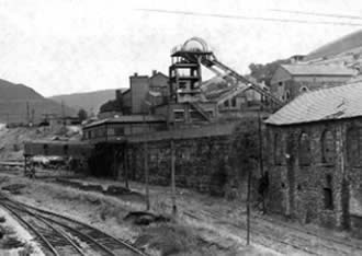 Ffaldau Colliery in 1986 during demolition. From right to left these buildings were Stores, Fitting Shop and Blacksmiths Shop.