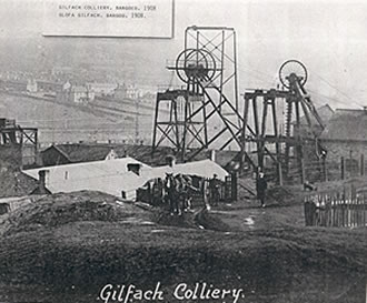 Gilfach Colliery 1908 There's only one sheave wheel on the head frame on the right.