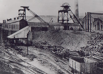 Caerau Colliery c. 1900 Notice the head gear on the left has no wheel on it. It was probably under construction at the time.