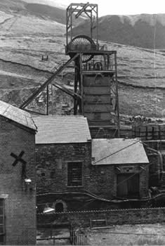 Garw Colliery before its demolition in 1986. This is the upcast shaft.