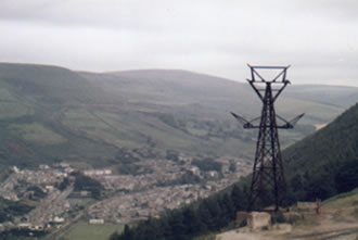 The aerial ropeway in Ogmore Vale in 1986 It took the waste up to the top of the mountain.